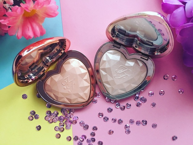 Too Faced Love Light Prismatic Highlighter (10)
