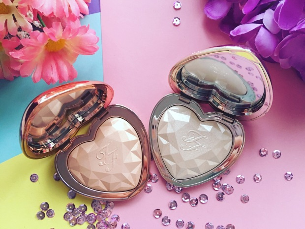 Too Faced Love Light Prismatic Highlighter (5)
