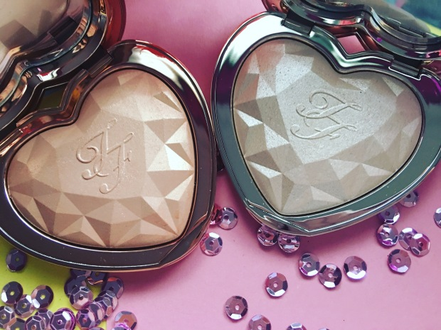 Too Faced Love Light Prismatic Highlighter (8)